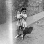 Nena amb una nina. 1964